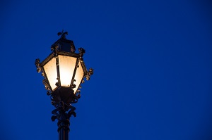Кто отвечает за уличное освещение в городе