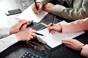 продать квартиру с долгами по коммунальным платежам